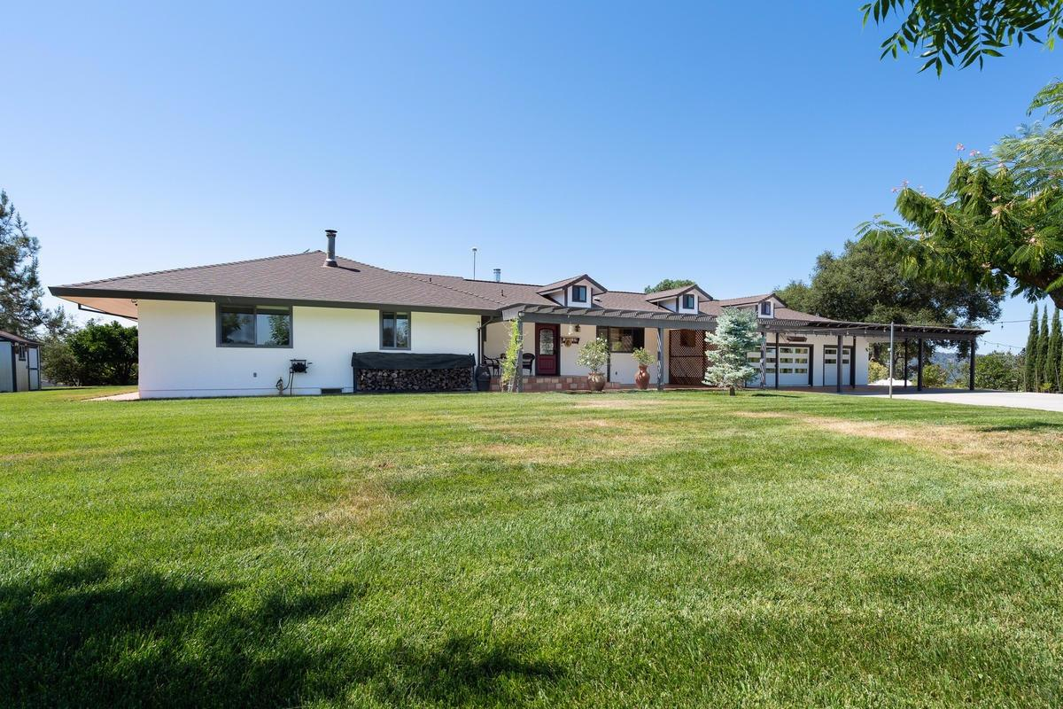 Photo of 10601 Valley Drive, Plymouth, CA 95669
