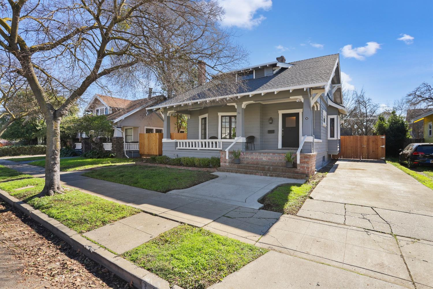 Photo of 36 W Walnut Street, Stockton, CA 95204