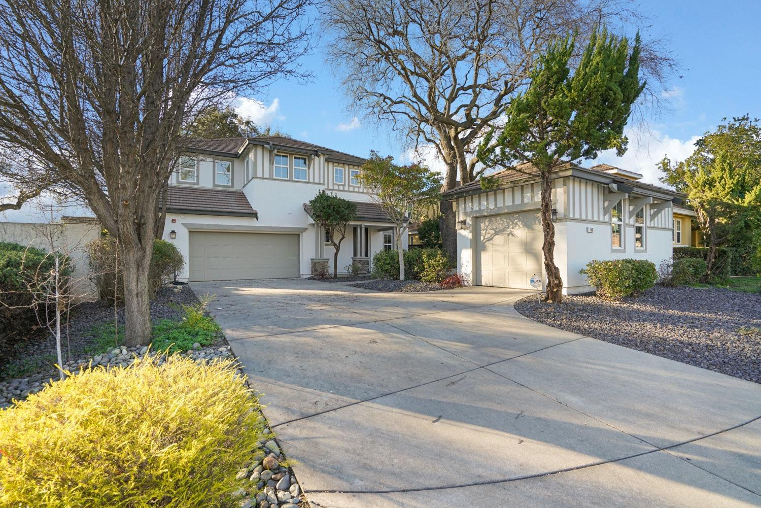 Photo of 560 Westlake Drive, West Sacramento, CA 95605