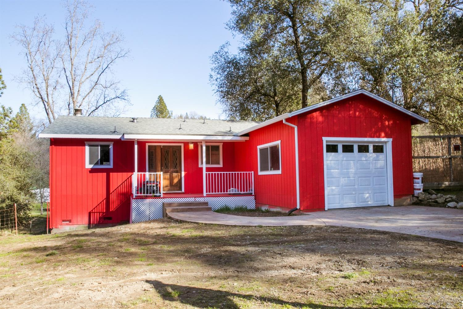 A darling gem close to the river on two lots. Listen to the birds singing while you sip your morning coffee on your porch. New paint, new flooring, new appliances among the upgrades already done. Just a few items left to finish up the remodel in progress. Cozy up next to the fireplace in the evenings and  a short walk to the community river access for a summer dip or picnic. Spectacular river access for locals only. A peaceful place to call home in the foothills that's ready for it's next chapter. Only 25 minutes from town. Large unfinished area under the home.