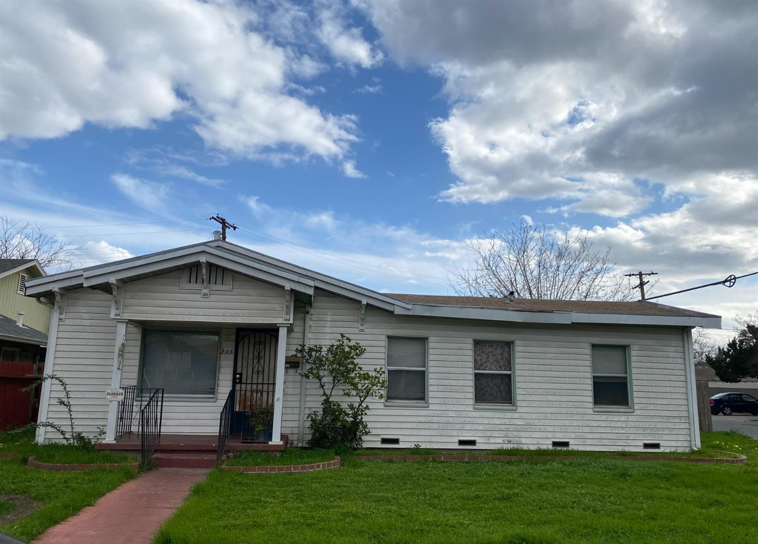 Photo of 408 E Noble Street, Stockton, CA 95204