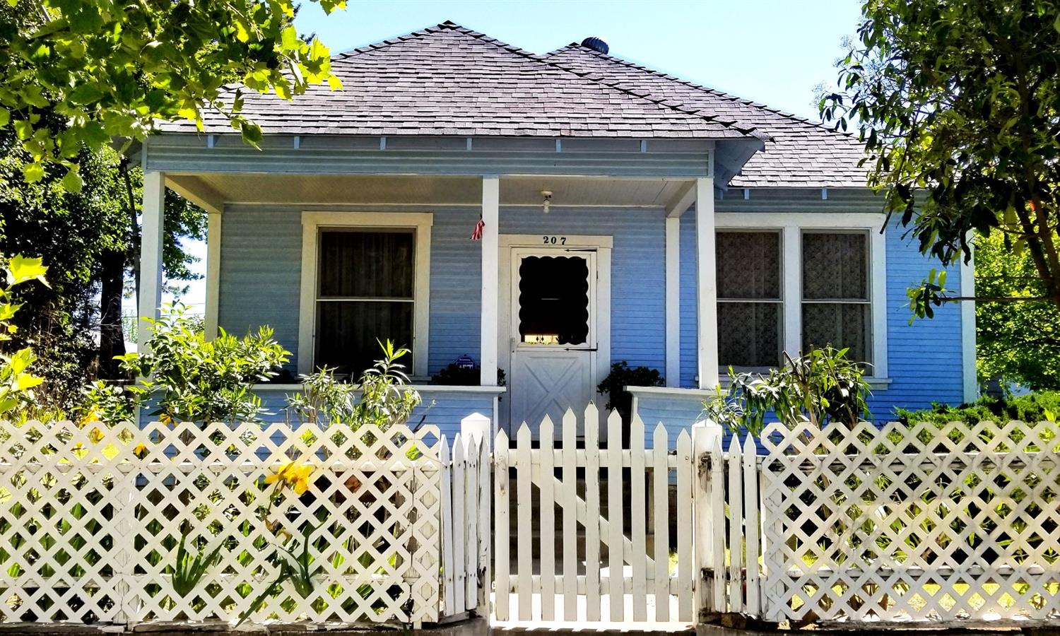 Excellent values in heart of Old Roseville!!!    This two bedroom one bathroom bungalow sits on  0.1944* lot in the neighborhood, fruit trees, making this a one of kind home. The home offers ample living space to its new owner and is ready for their interior touch. The large lot  plenty of space to entertain and spend summer evenings with the family. The home is located just minutes from the I-80, new Kaiser medical center, shopping, grocery, entertainment and much more. Schedule your showing today!!!