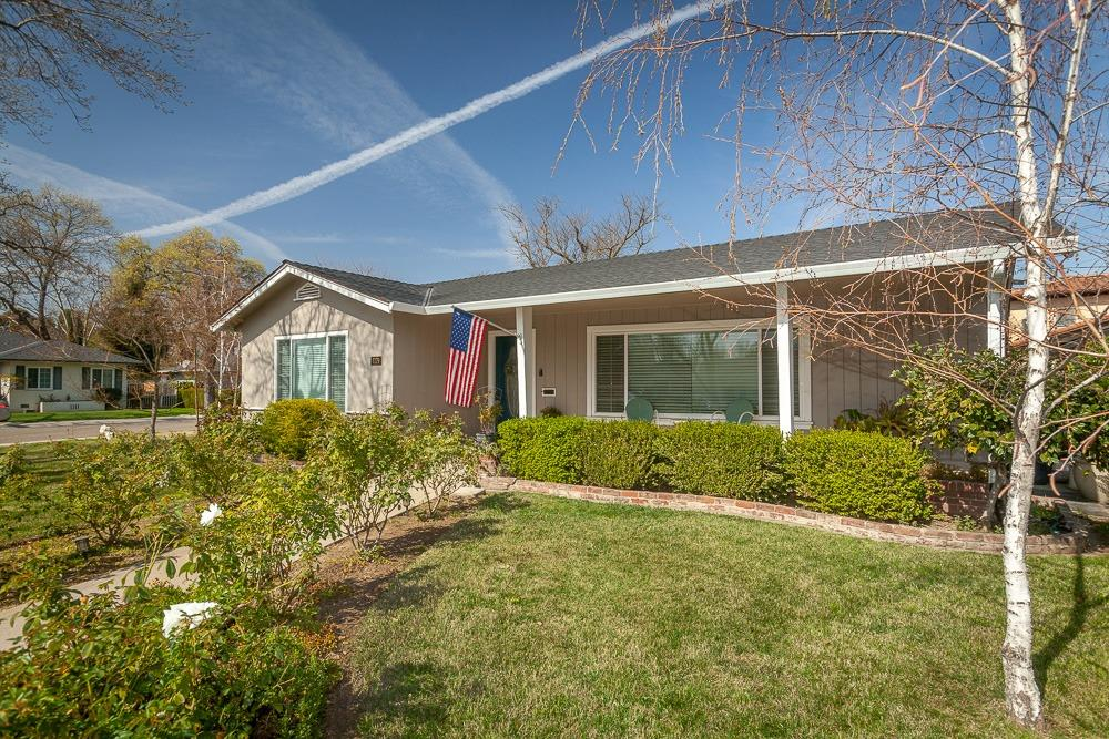 Photo of 1179 N Country Club Boulevard, Stockton, CA 95204
