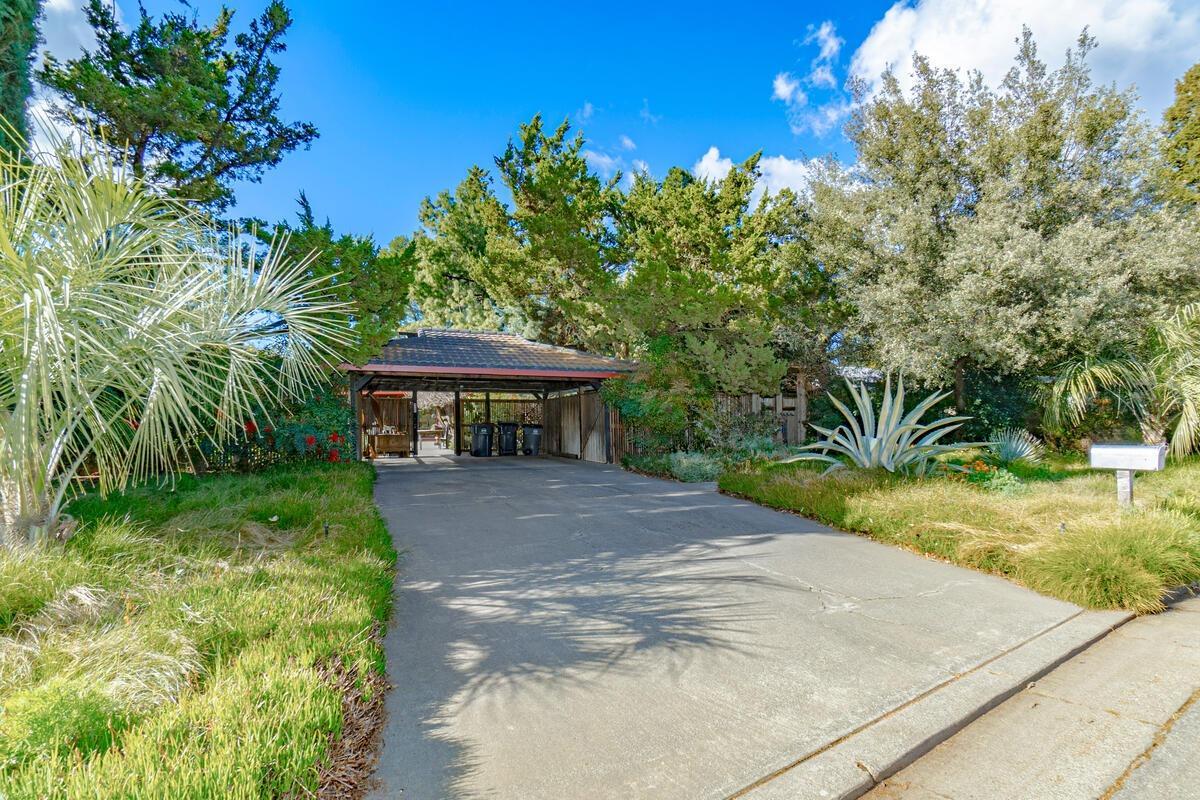 Photo of 43158 W Oakside Place, Davis, CA 95618