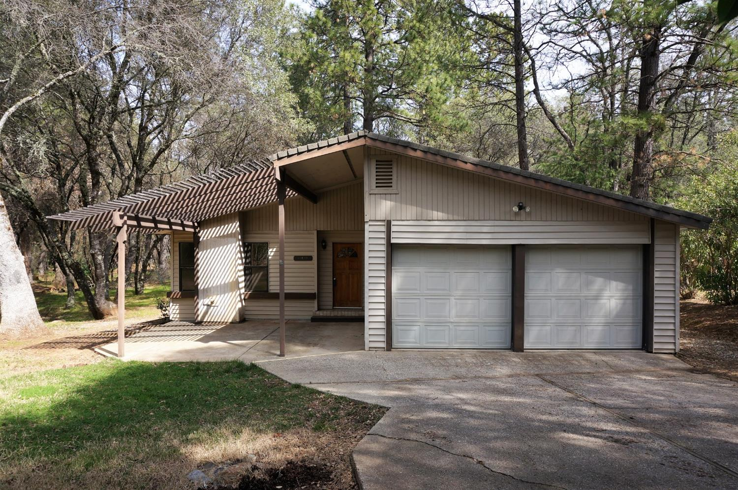 Lake Wildwood Home, not too far from Gate! Single Story Home with 3 Bedroom, 2 full baths and backs up to seasonal stream! Master Wing with outside access onto back patio, shed perfect for extra storage. Fenced in back yard! Three sliding glass doors lead to the covered back patio and overlook Turkey Ravine. Level lot with a very idyllic setting.  Lake Wildwood is a 24 hour gated community with 325+ ac recreational lake, 19 hole championship golf course, lighted tennis courts, 5 parks and beaches, boat launch and MORE! All this located just 60 miles NE of the Sacramento International Airport! Come see why we say Vacation in your own backyard!