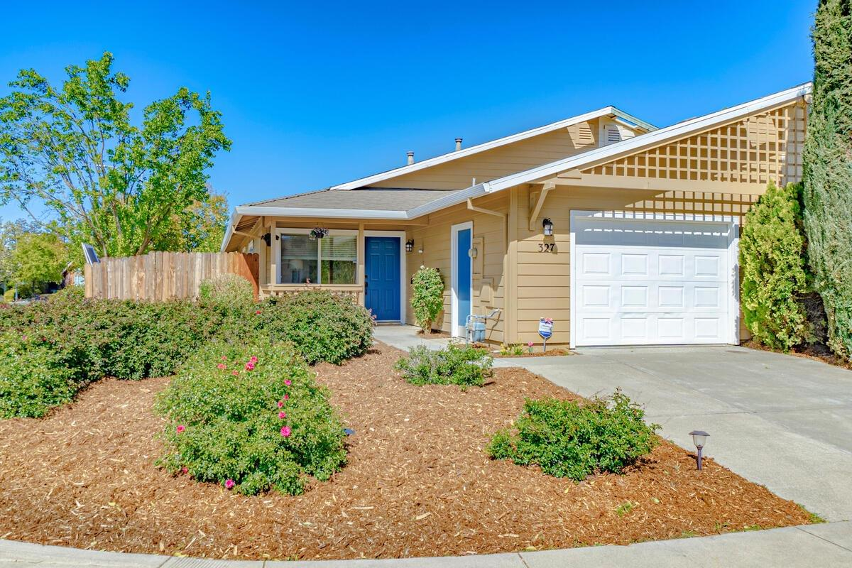 Photo of 327 Merganser Place, Davis, CA 95616