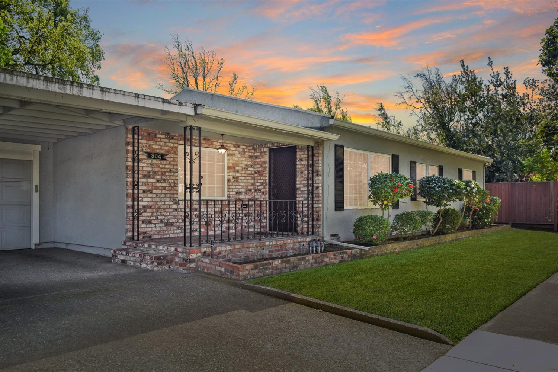 Photo of 804 N Central Avenue, Stockton, CA 95204