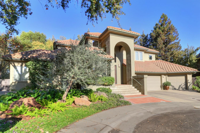Photo of 823 Peregrine Avenue, Davis, CA 95616