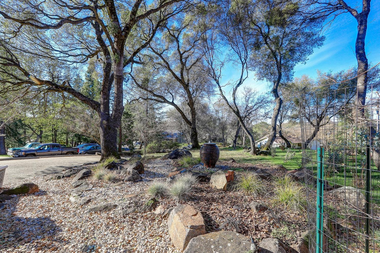 15016 Woodland Loop