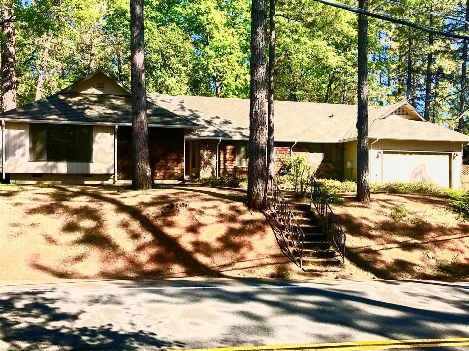 Photo of 11415 Francis Drive, Grass Valley, CA 95949