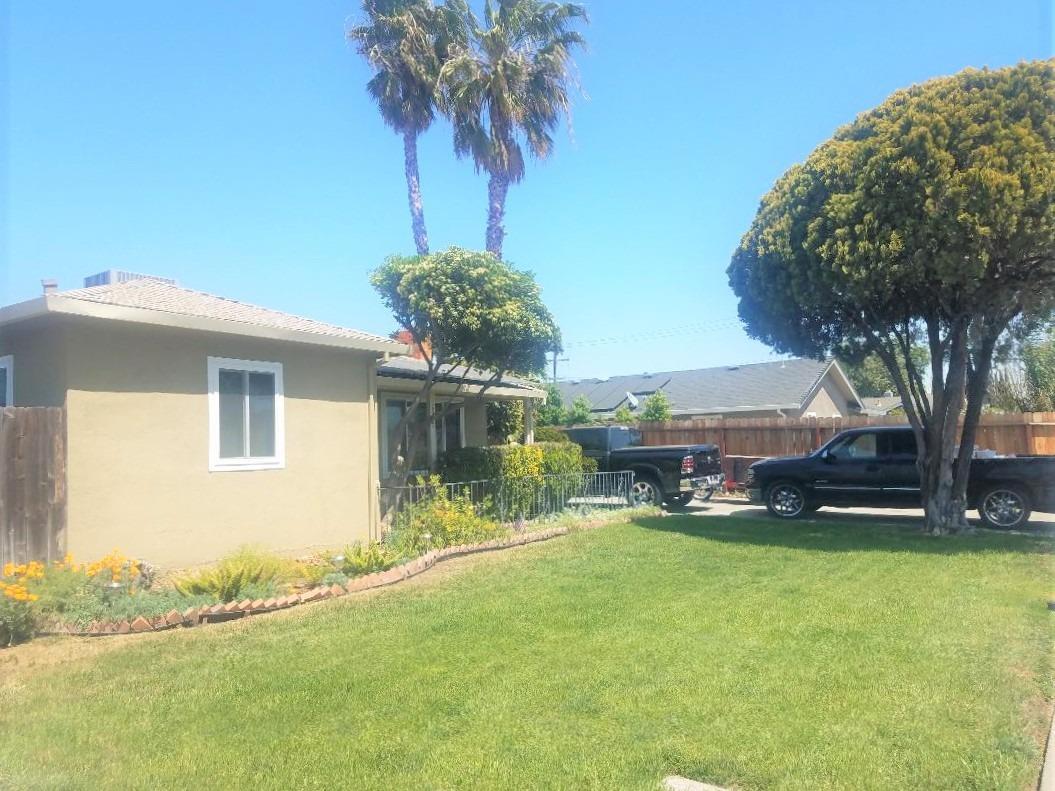 Photo of 2807 De Ovan Avenue, Stockton, CA 95204