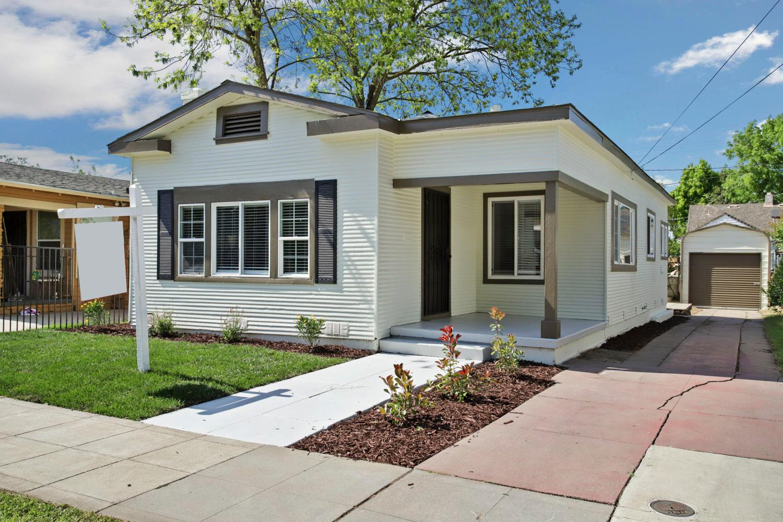 Photo of 125 E Monterey Avenue, Stockton, CA 95204