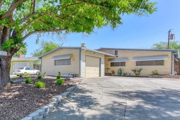 Darling 3 bedroom, 1-1/2 bath single story on nice lot!  New roof, new carpet and some fresh paint make it move-in ready!  Backyard has covered patio, large outdoor shed, portable spa and there's still plenty of room! Established Citrus Heights neighborhood.