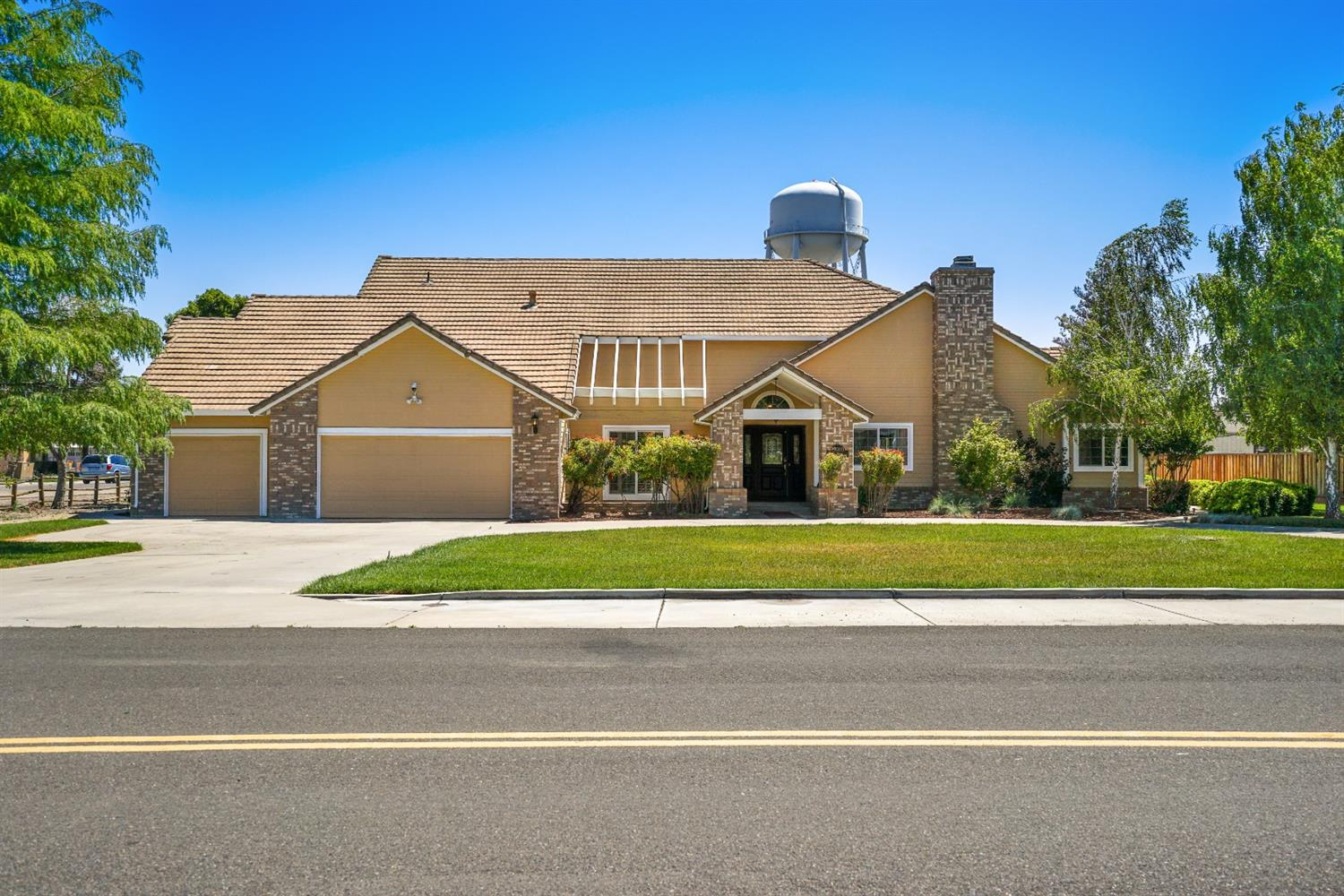 Photo of 27000 S Hillview Street, Tracy, CA 95304