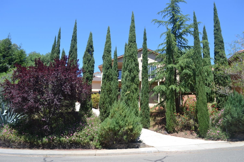 Photo of 808 Quail Glen Court, Auburn, CA 95603