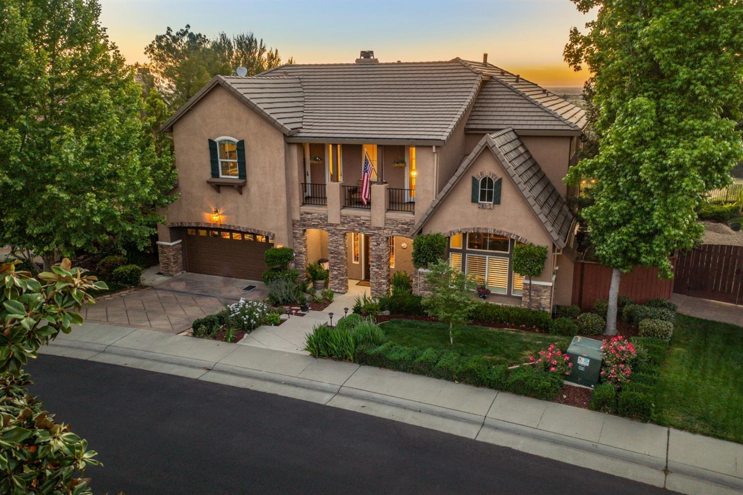 Former Model home with the most gorgeous