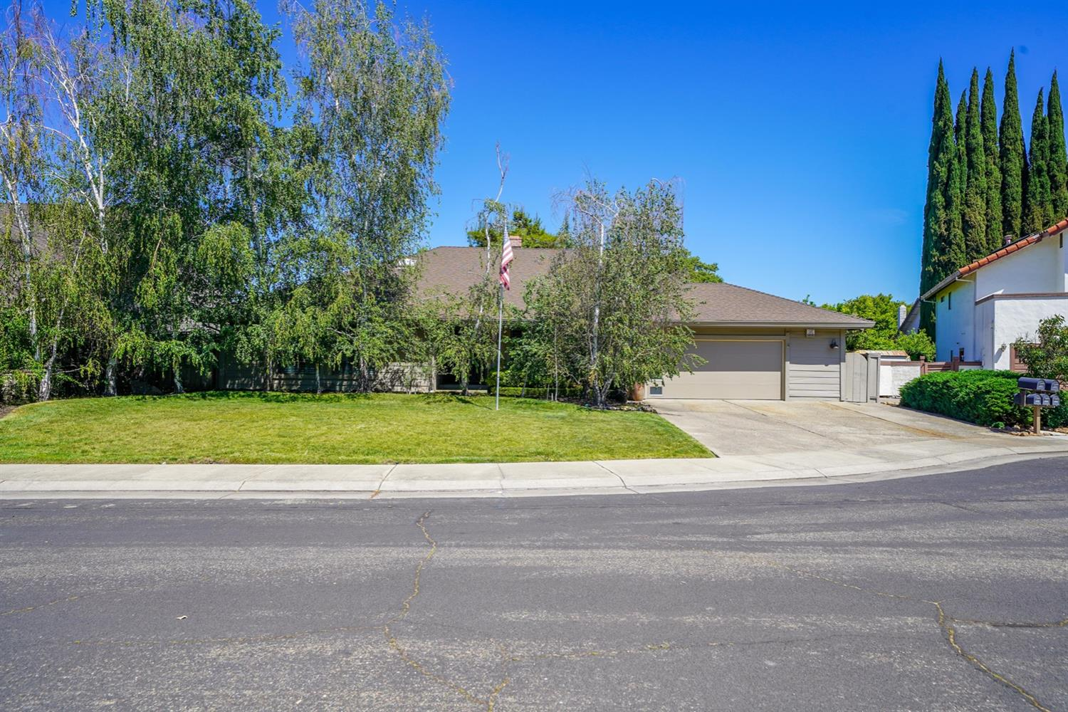 Photo of 1717 Fluetsch Court, Stockton, CA 95207