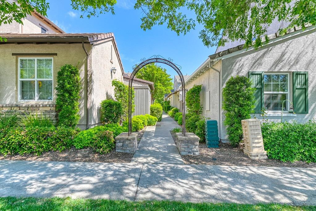 Photo of 91 Talmont Circle, Roseville, CA 95678