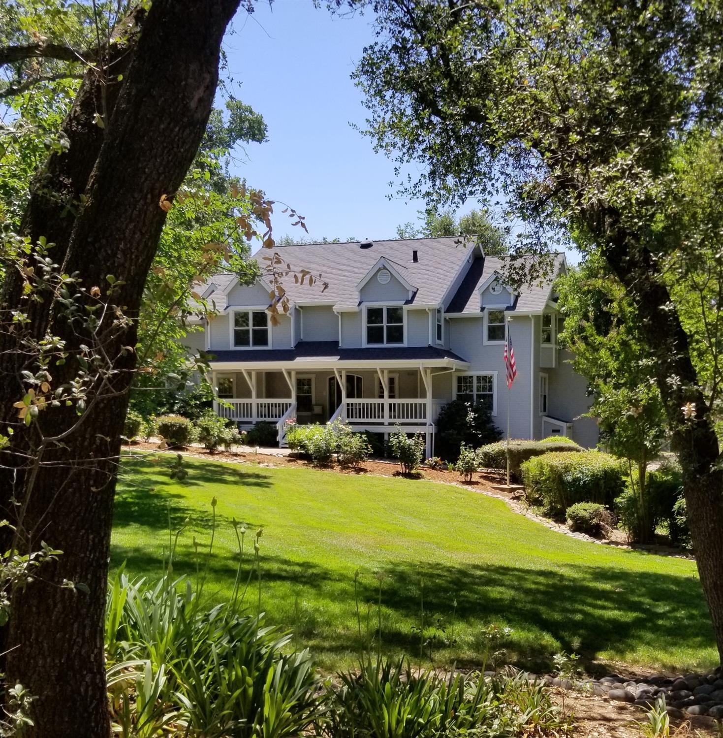 2350  Lakewood Hills Lane