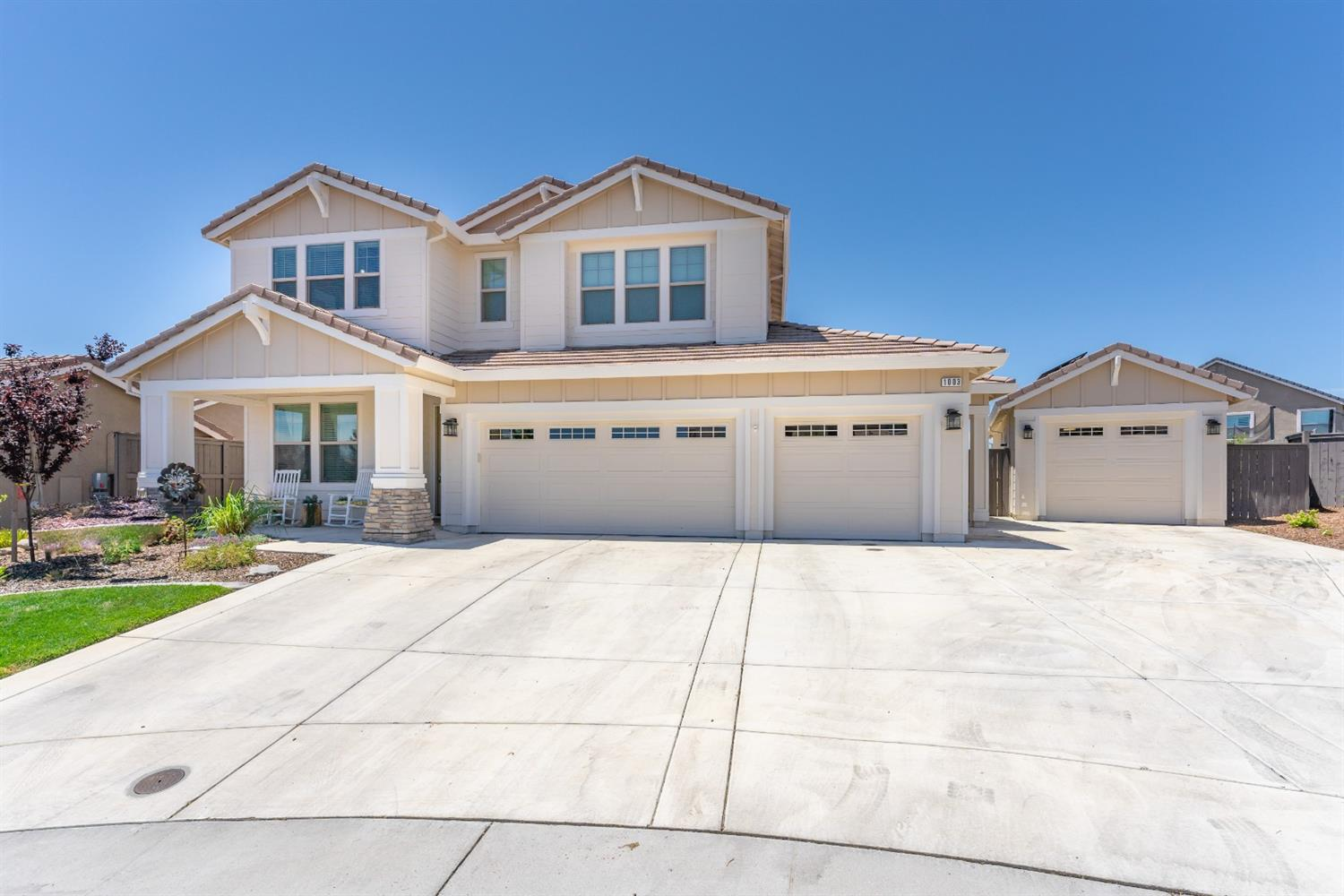 1003 Outpost Court