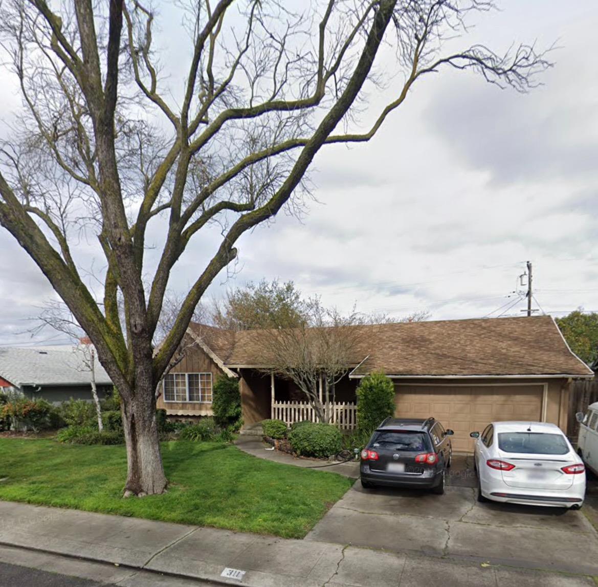 Photo of 311 E Robinhood Drive, Stockton, CA 95207