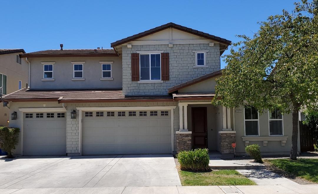 Fantastic home in a great location. Kitchen has large island with granite counter top tons of cabine