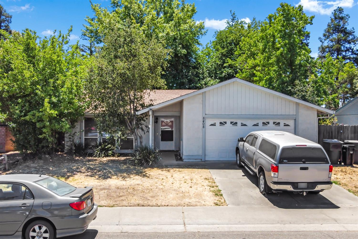 Great opportunity to make this home yours. With a little updating this will be a charmer. Location is walking distance to the neighborhood park.