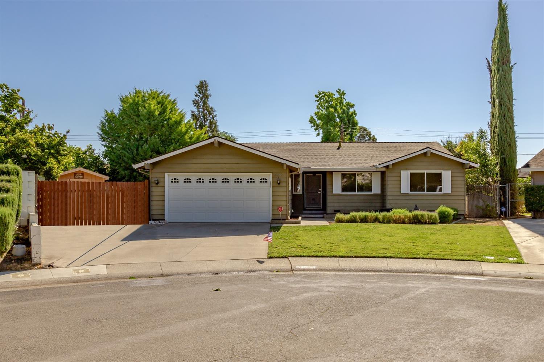 Photo of 8352 Lake Forest Drive, Sacramento, CA 95826