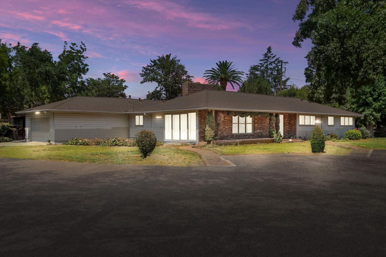 Photo of 3447 Country Club Boulevard, Stockton, CA 95204