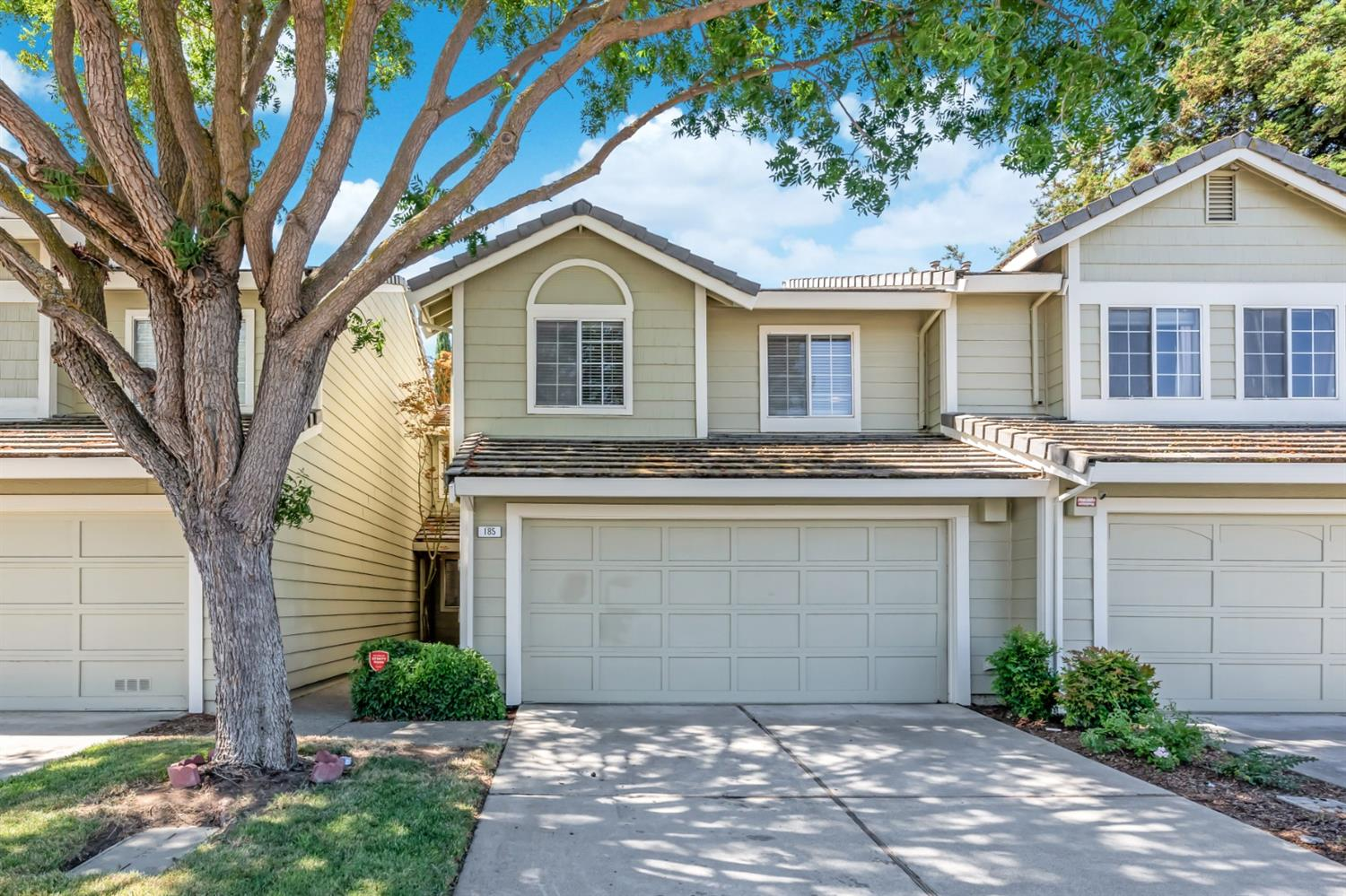 Great starter home located in the desirable Marina Park neighborhood. This two story home comes with aprx 1,608 square feet of living space w/ 3 bedrooms, 2.5 bathrooms and 2 car garage. Walk into this functional floor plan with dining & living room combo overlooking the backyard. Features such as laminated floorings, new interior paint, fireplace & more. Updated kitchen with breakfast nook, maple cabinets, quartz countertop, stainless steel appliances and sink & more. Convenient laundry room. Head upstairs with skylight on the hallway landing, mirrored closets, large owner's bedroom with sitting area. Sumptous owner's bathroom with skylight, walk in shower and walk in closet. Relax & barbecue in your backyard with covered patio. Walk to th