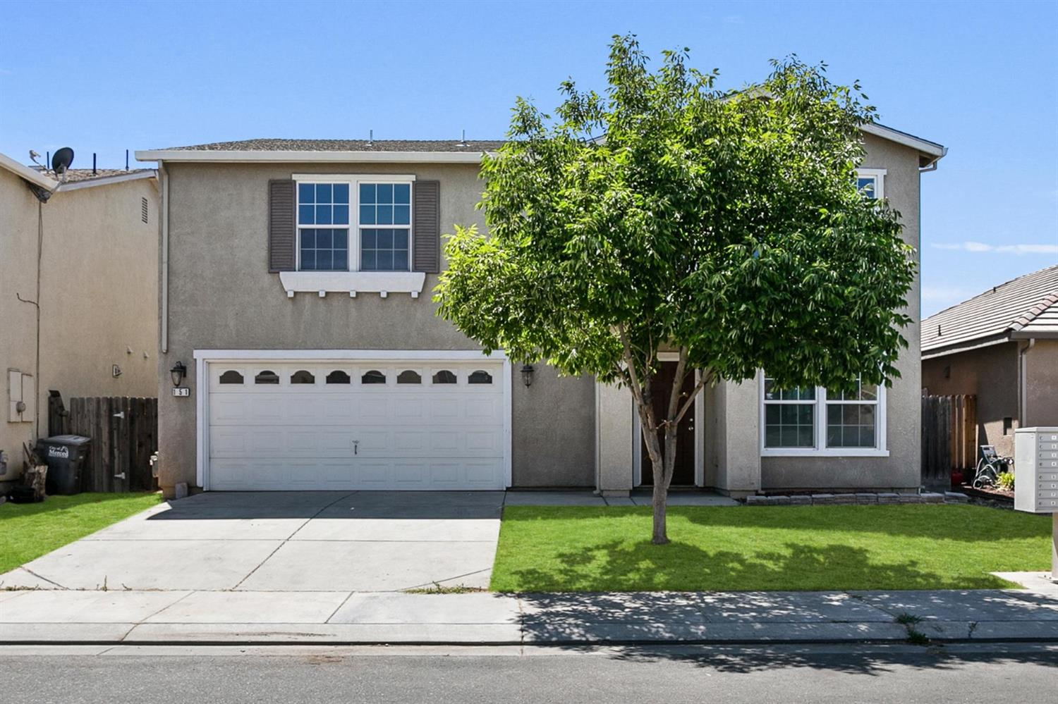 Beautiful move-in ready home. Spacious open floor plan with 3286 sq ft, 4 bedrooms, 2.5 baths plus a
