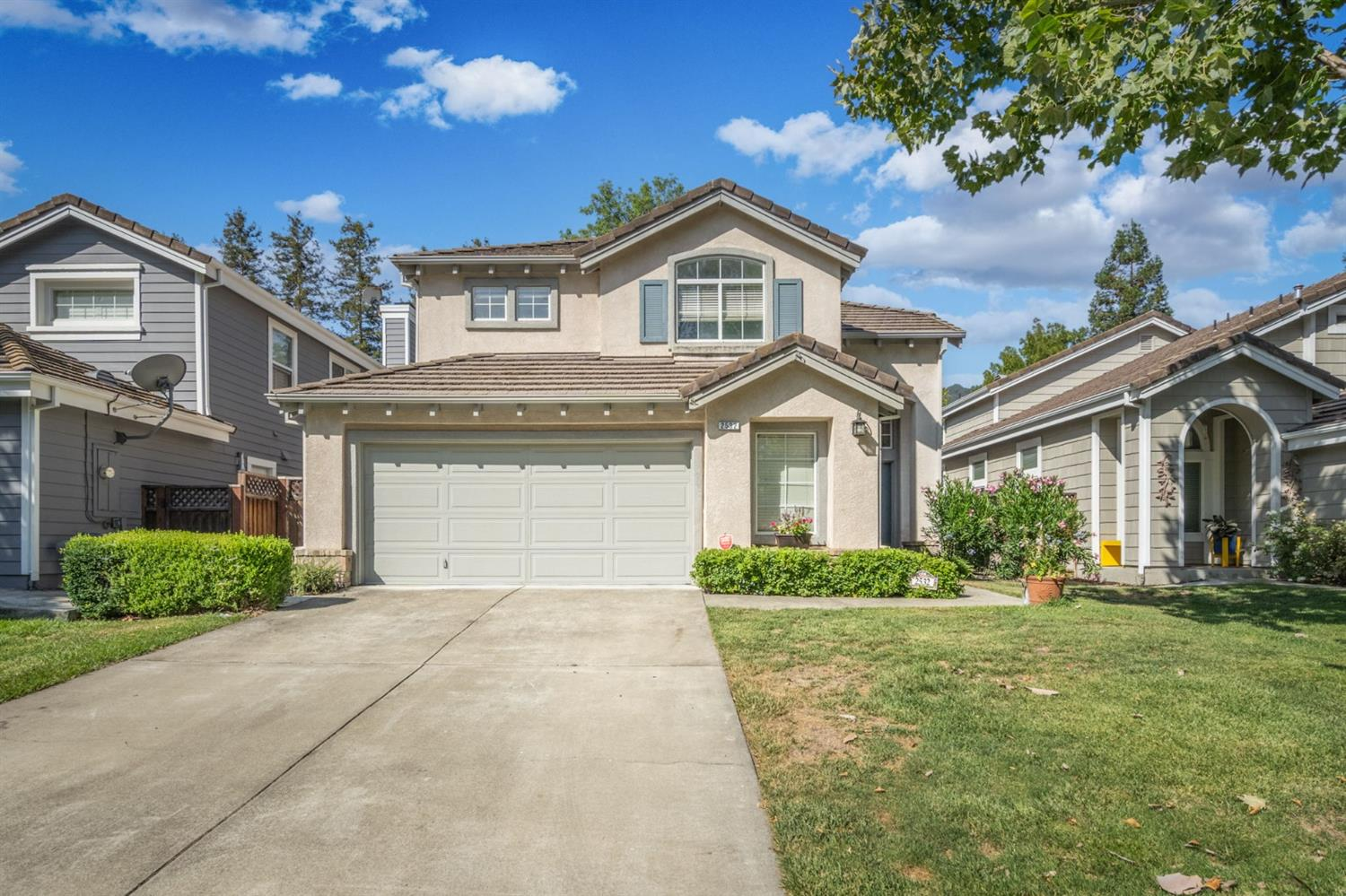 2532  Tapestry Way