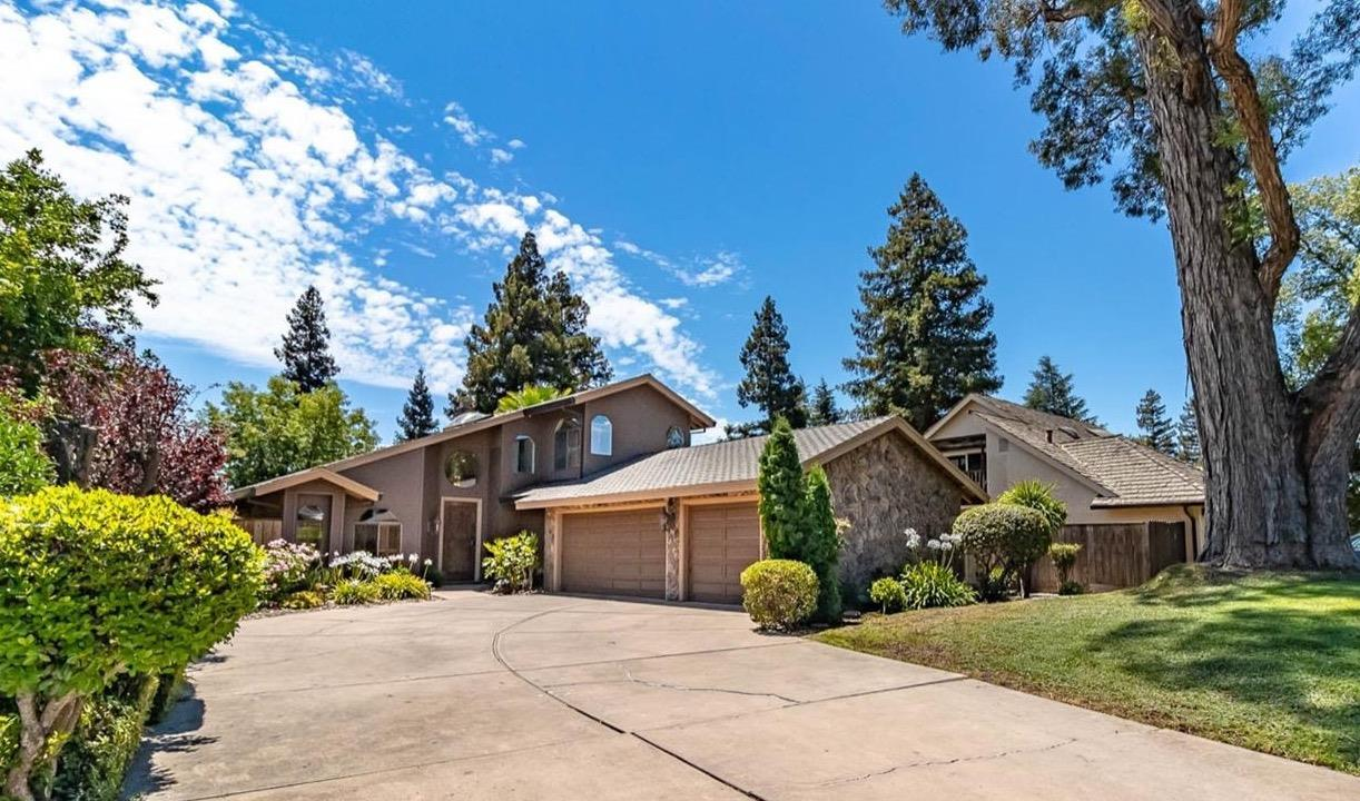 Photo of 2103 Canyon Creek Drive, Stockton, CA 95207