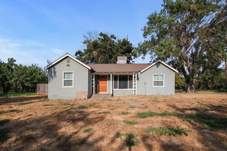 6210 Washington Blvd, Livingston, CA, 95334