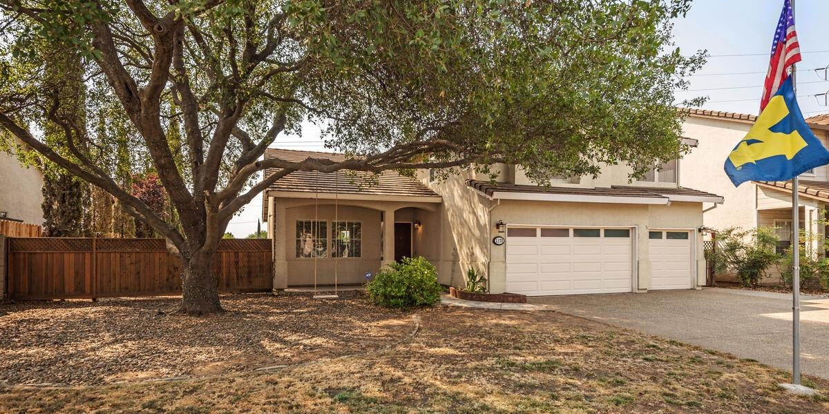 Photo 2 for Listing #221101282