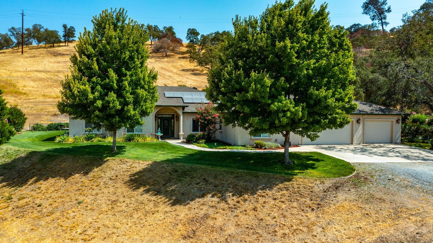 Photo of 3520 Paloma Road, Valley Springs, CA 95252