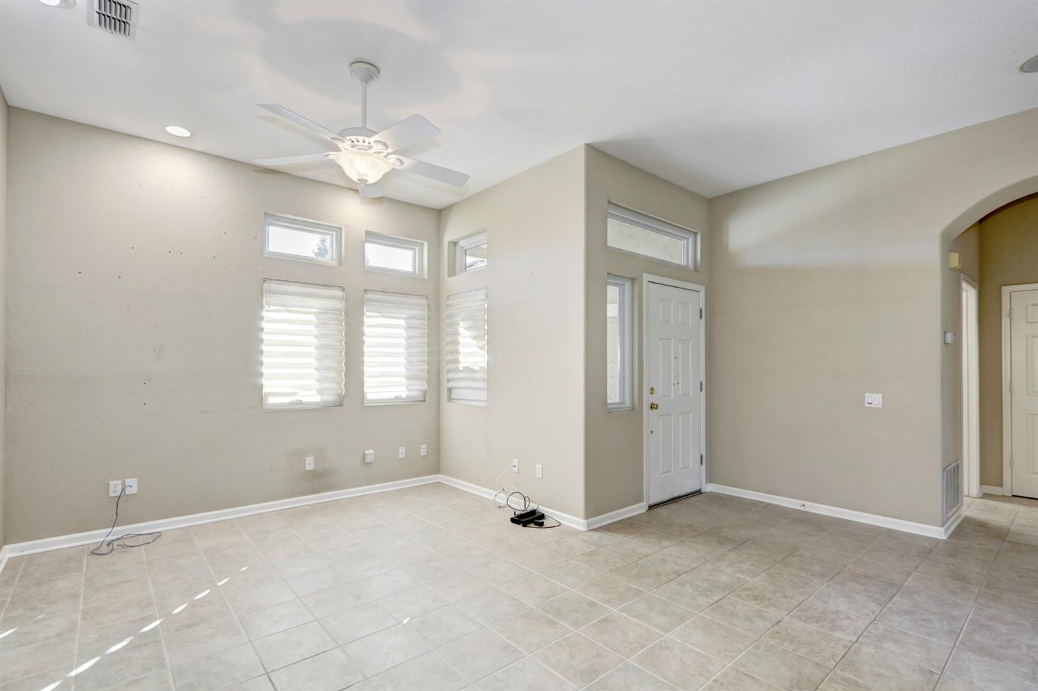 Photo 5 for Listing #221084560