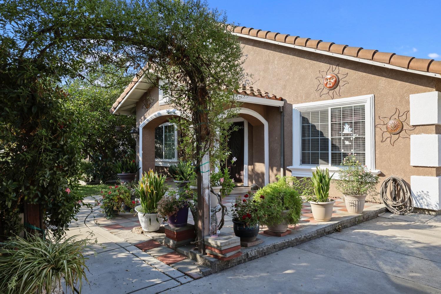 Photo of 29 S Carroll Avenue, Stockton, CA 95215