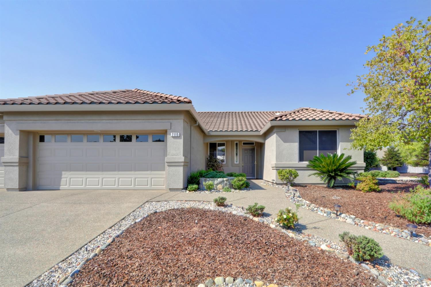 Photo 3 for Listing #221117540