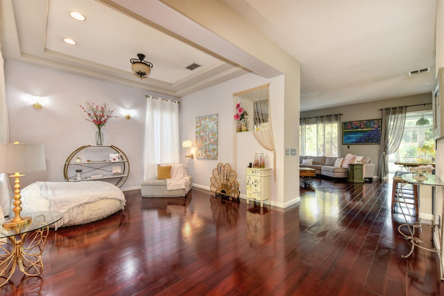 Photo 5 for Listing #221120681