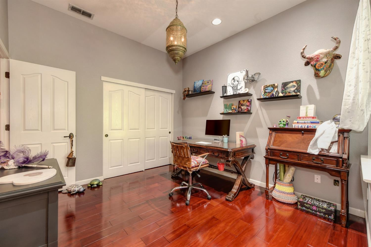 Photo 3 for Listing #221120681