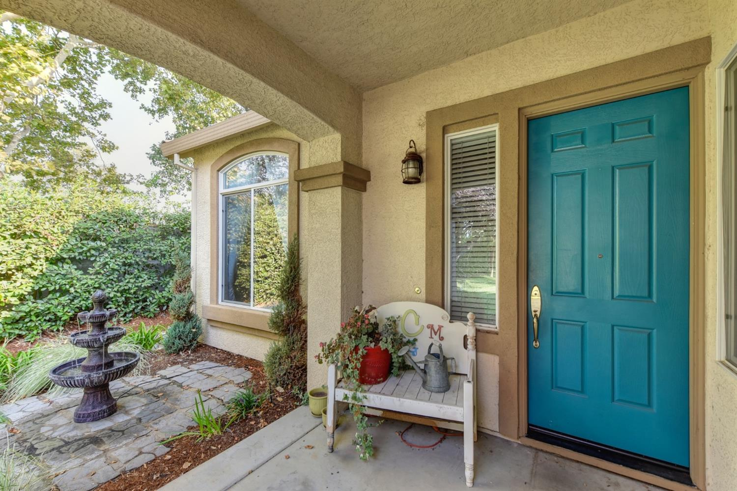 Photo 2 for Listing #221120681