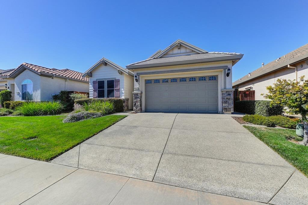 Photo 2 for Listing #221119312