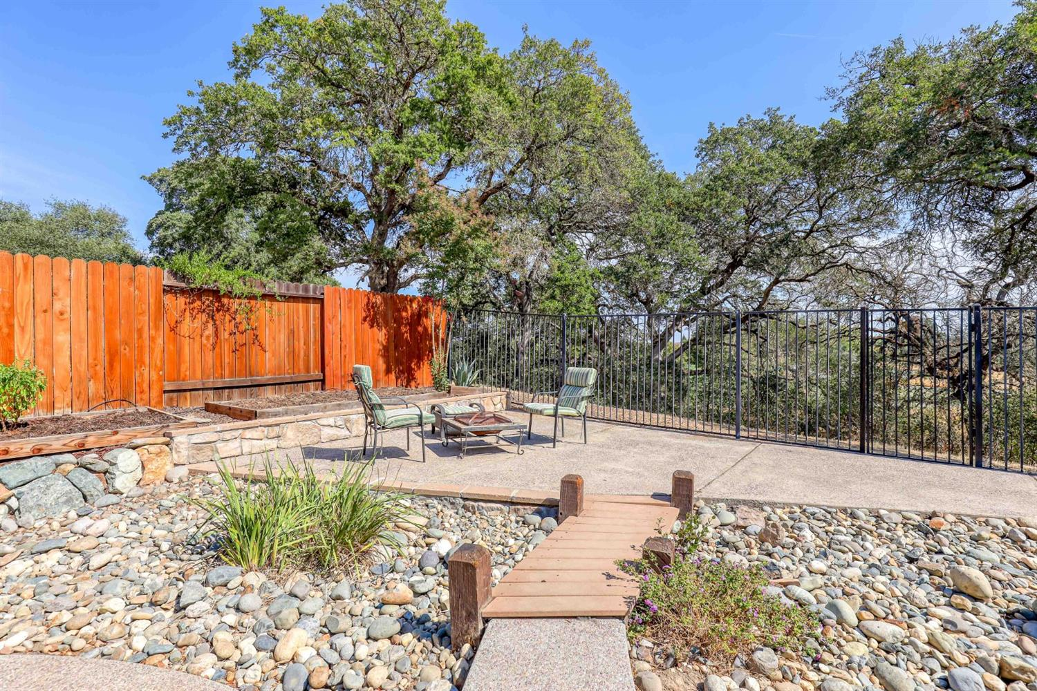 Photo 5 for Listing #221119370