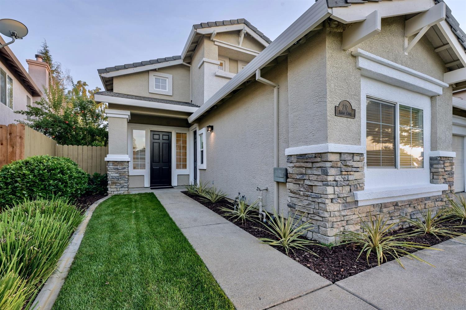 Photo 3 for Listing #221121872