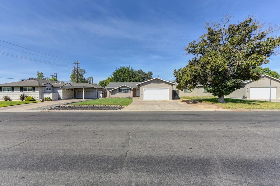 Photo of 3635 Lusk Drive, Sacramento, CA 95864