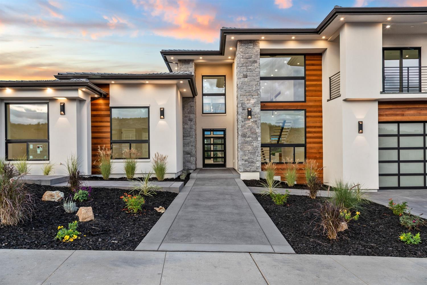 Mid Century Modern, Eichler, Contemporary and Modern homes for sale in Sacramento, Carmichael, Fair Oaks, Davis and the greater metro area