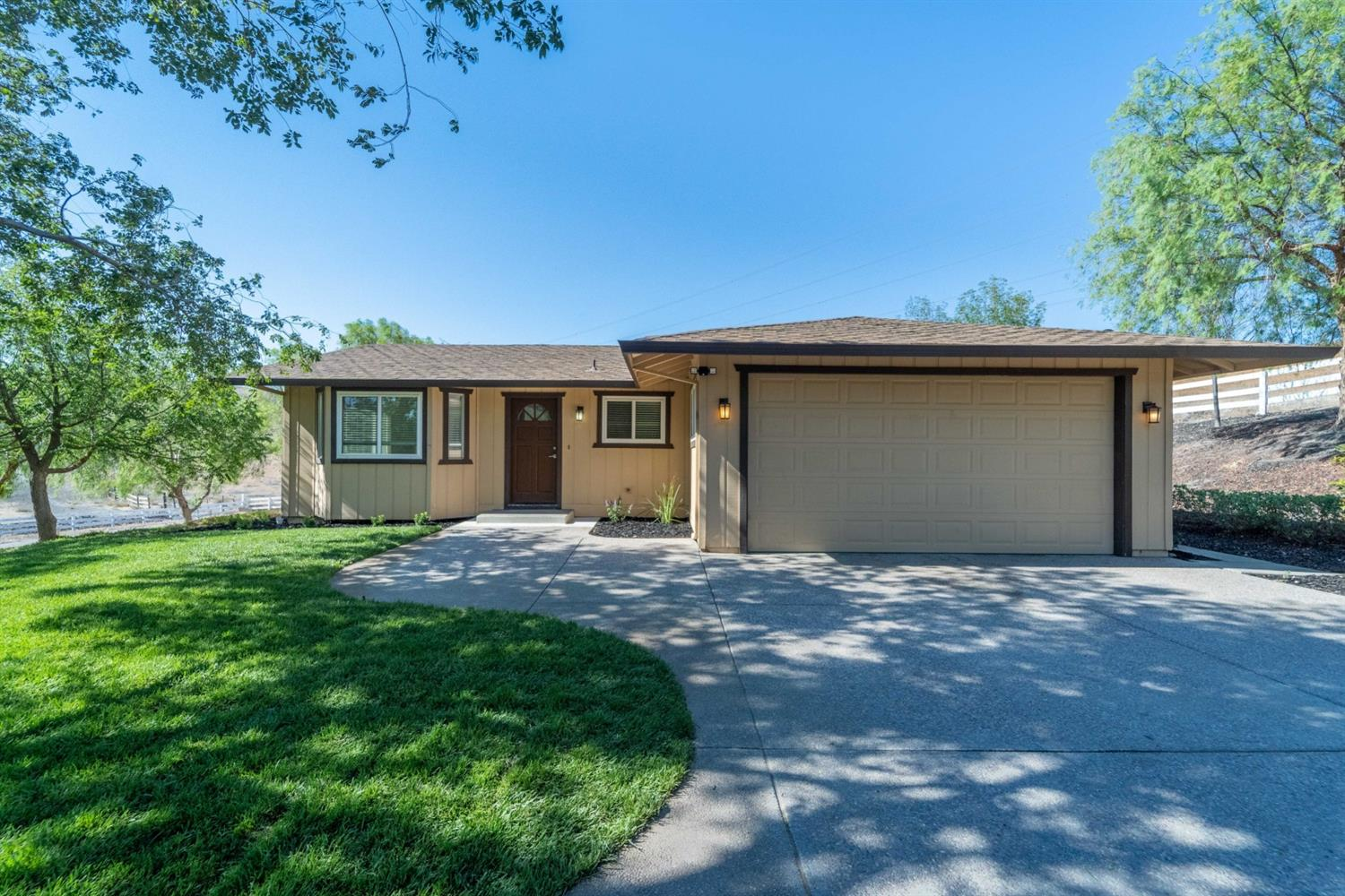 Photo of 16842 Midway Road, Tracy, CA 95377