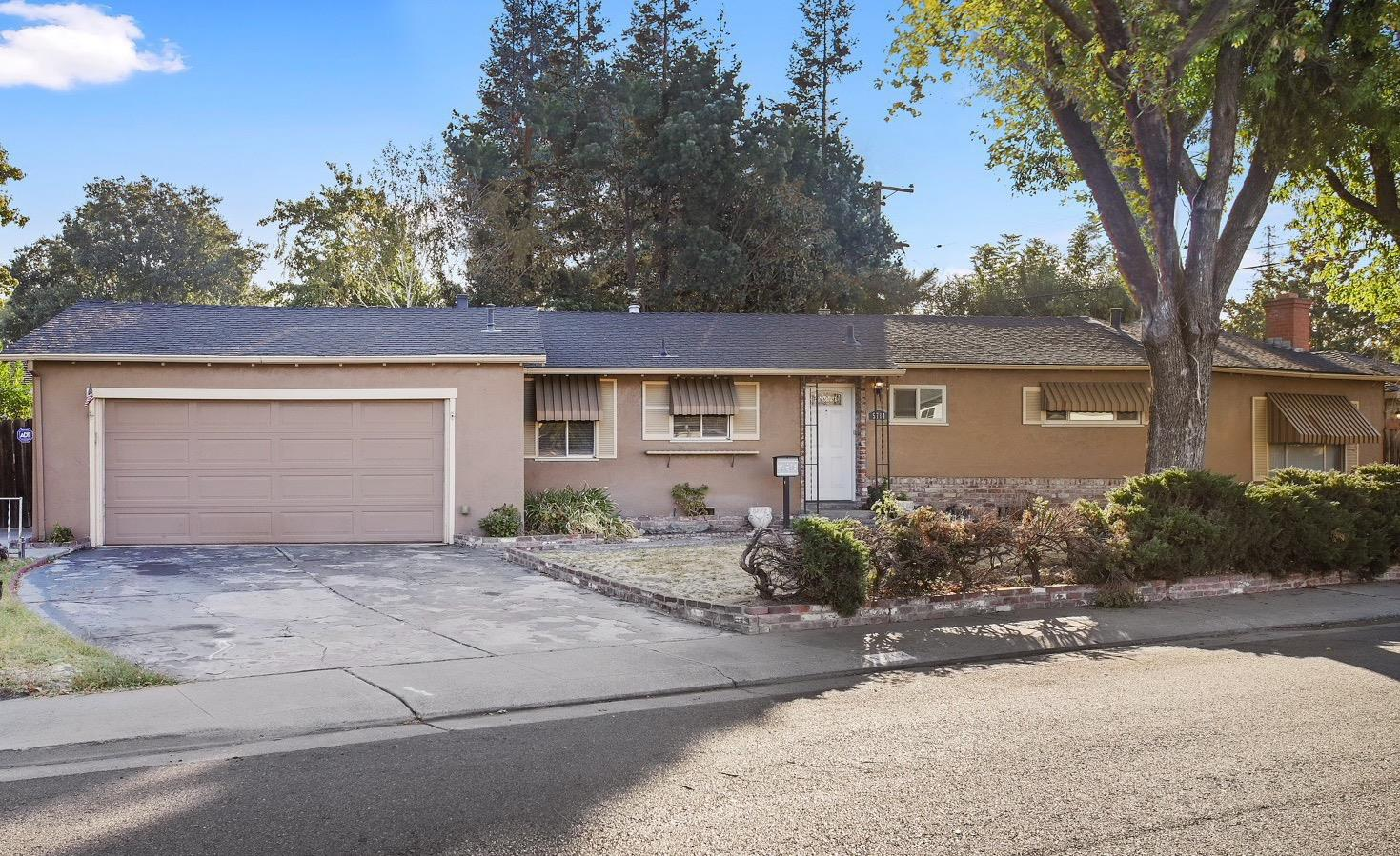 Welcome Home! This home features 4 bedrooms and 2 baths, a newer HVAC system and sits on a corner lot. It is also located in a well established neighborhood of Sherwood Manor. There is so much potential for this home. This one won't last long!
