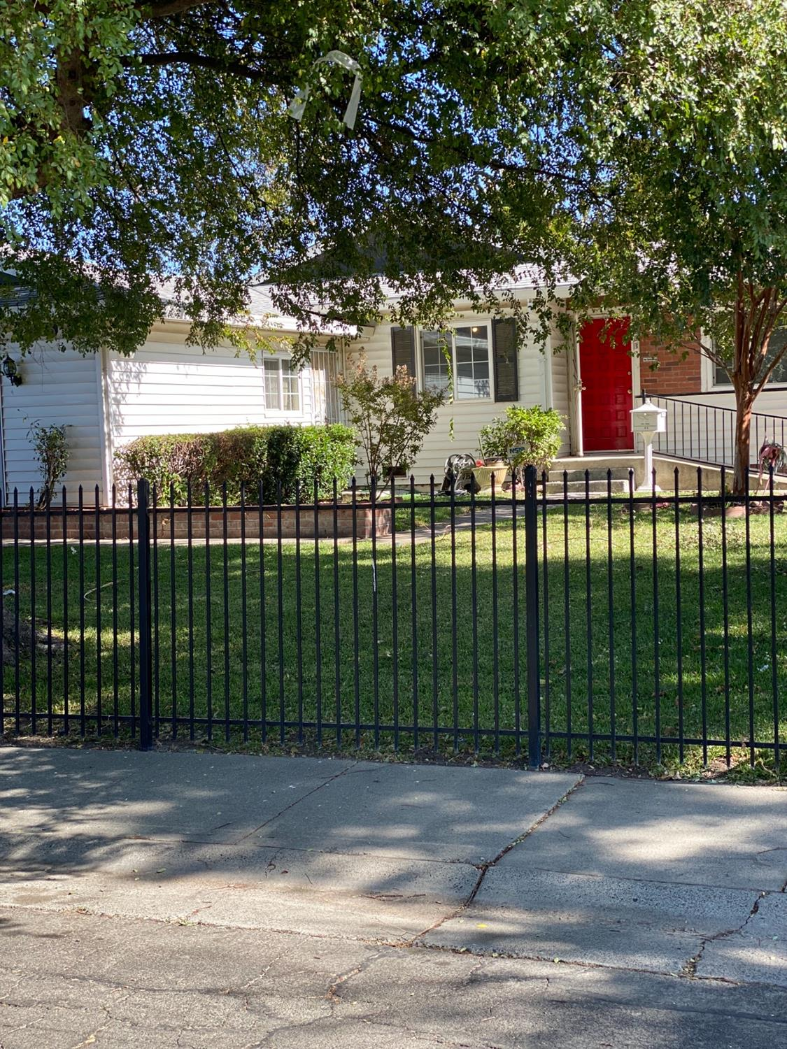 Great curb appeal in this 3 bedroom, 2 bathroom, 1300 square foot home! As soon as you arrive, you w